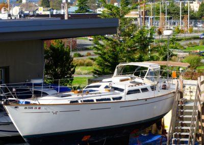 Sailboat, no mast