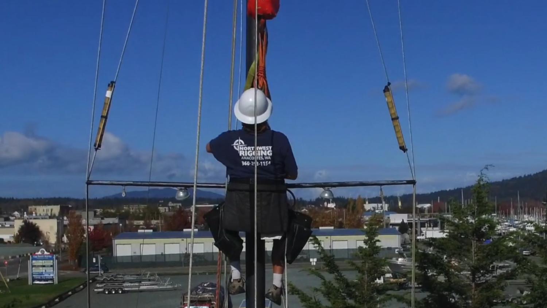 guy up a sailboat mast