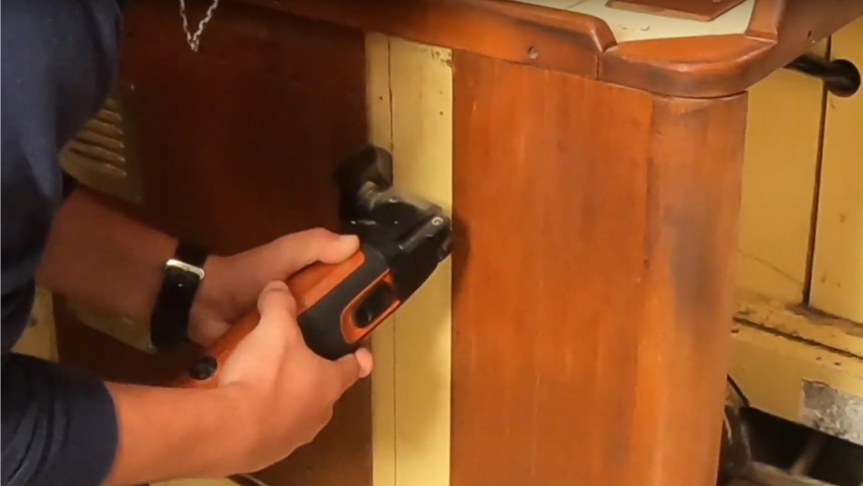 cutting wood furnature!